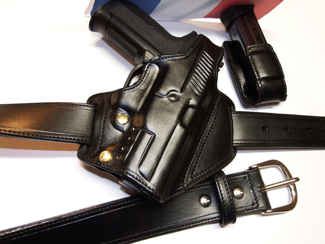 "HOLSTER ""BELT SLIDE"" by SLYE  Dscf0138"