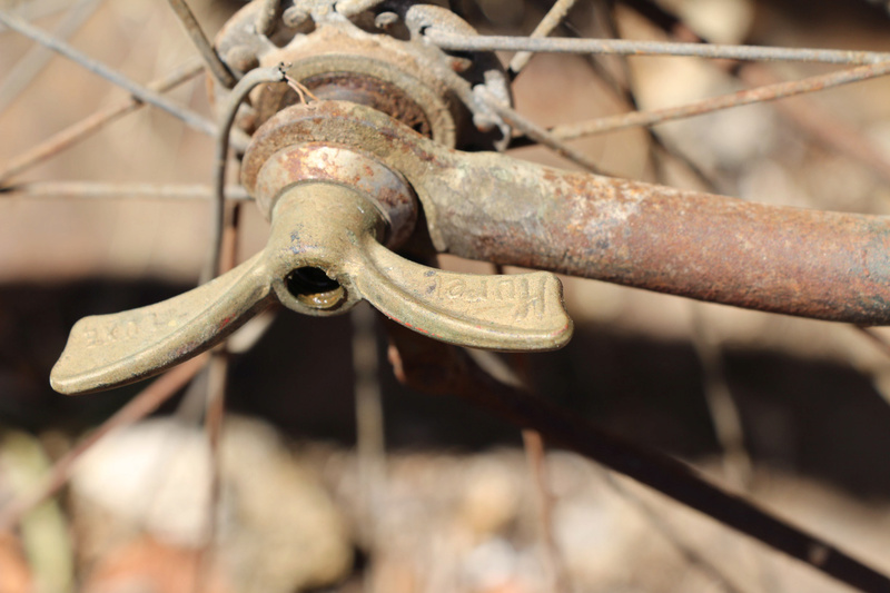 Besoin d'aide pour m'aider à identifier un vélo et/ou son cadre Img_1011