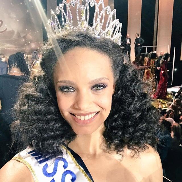 Election de Miss France 2017  - Page 2 15578710