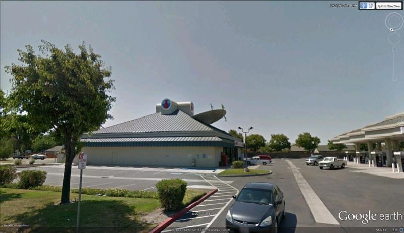Soucoupe volante à Lathrop, Californie - USA Soucou11