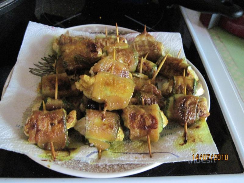 rouleaux aux courgettes et blanc de poulet. Roulea11