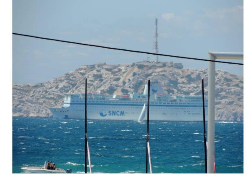 [Ports] Marseille aujourd'hui - Les îles du Frioul. - Page 4 Diapos25