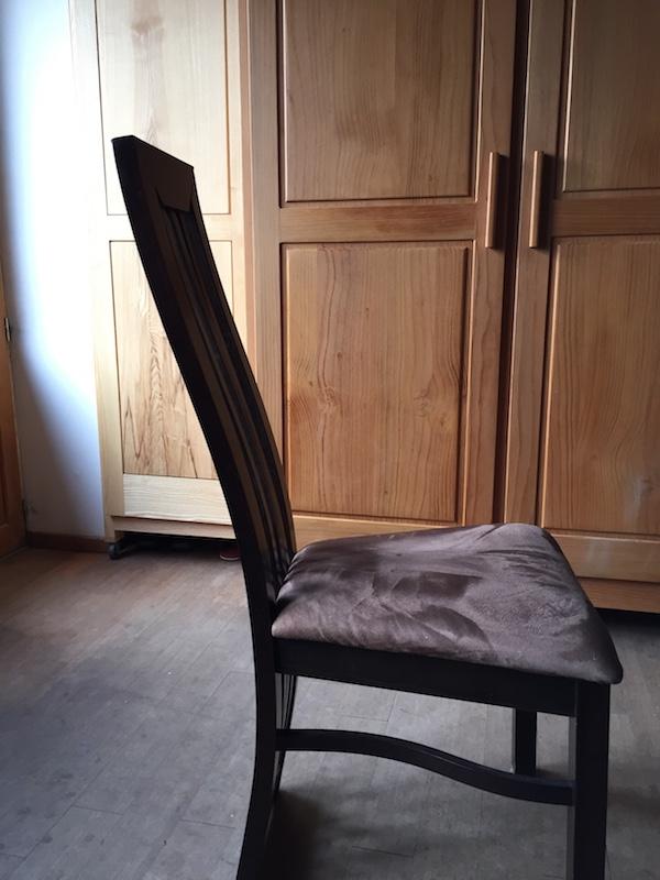 Chaises en hêtre aux pieds courbes Img_2620