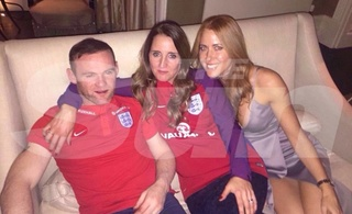 L'Angleterre - The Three Lions - Page 2 Cxxzyb10