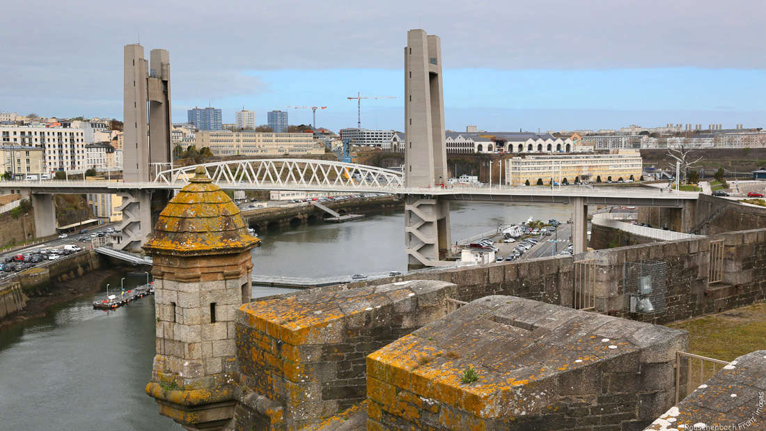 Brest  - Page 4 Pont_d10