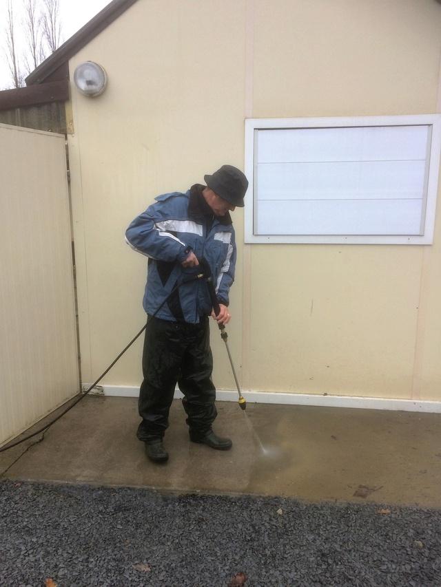 Journée nettoyage terrain Img_0346