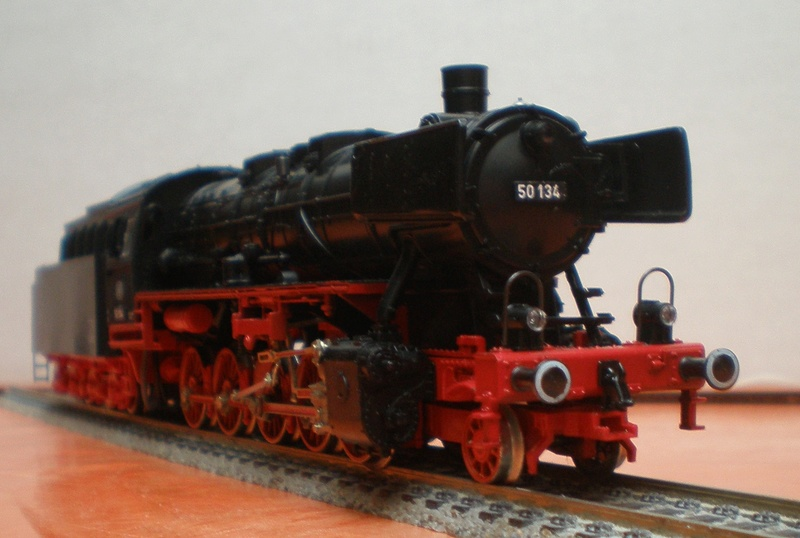 Fleischmann BR 50 mit großen Tender T 34 50_13438