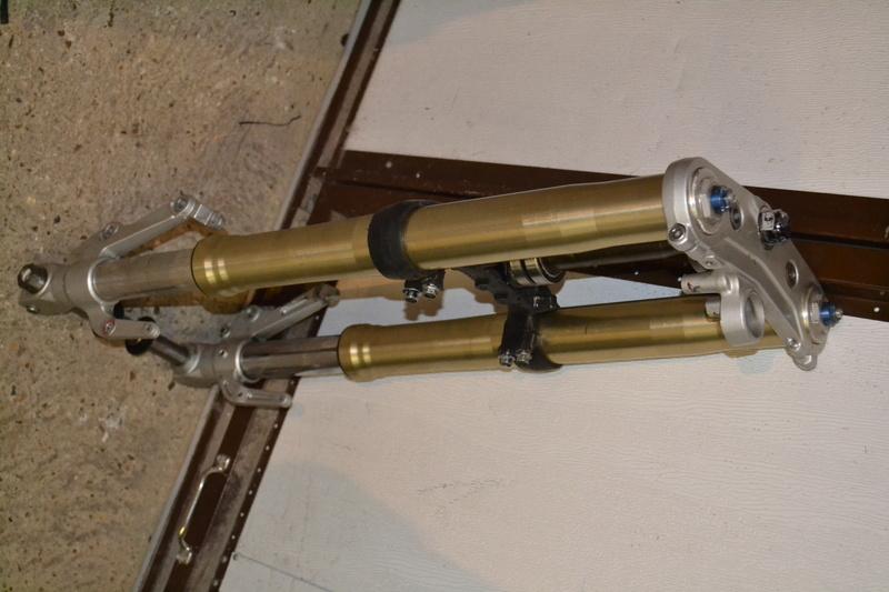 Fourche R1 vendue  Dsc_0028