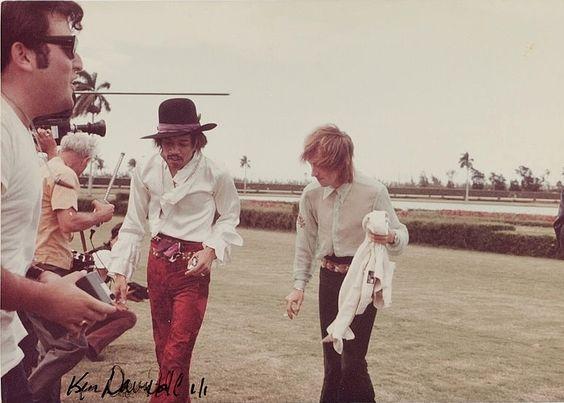 Miami (Miami Pop Festival) : 18 mai 1968 [Premier concert] Jimi_m24