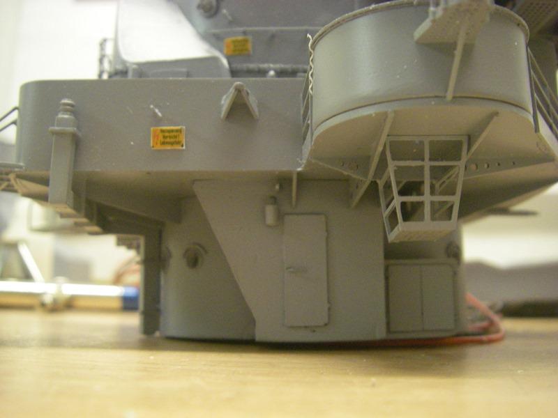 Bismarck 1:100 nur die Aufbauten  - Seite 6 Imgp9118