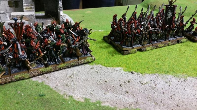 La tour de sang - Un combat elfique fratricide Fantas10