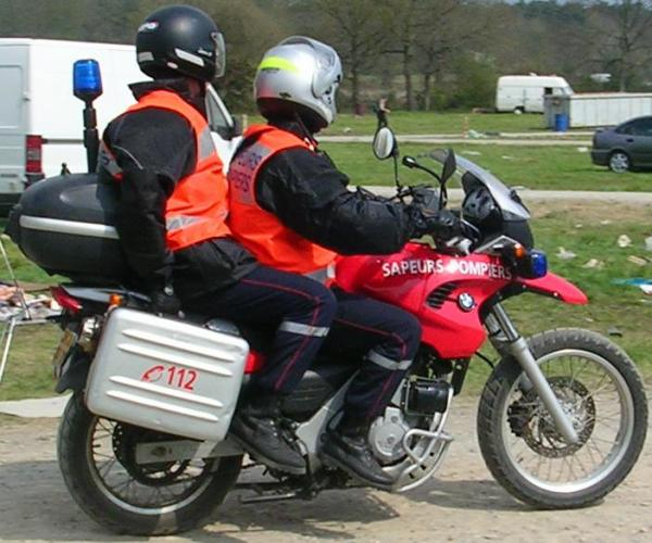 Les motos SAMU D8902411