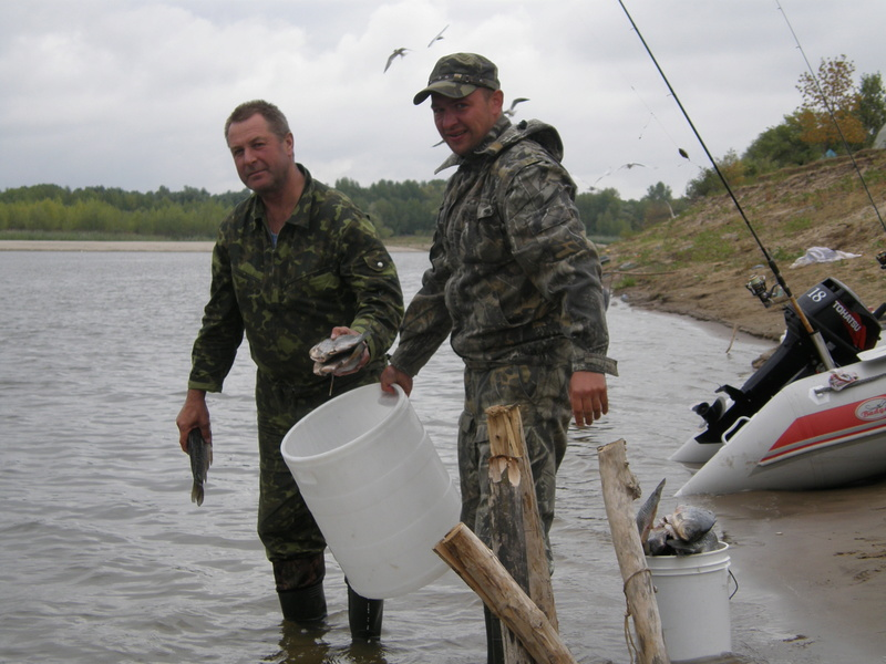 Рыбалка на Волге - Страница 2 P1010077