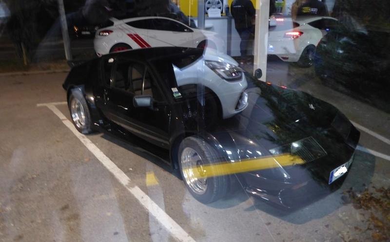Vendredi soir  RDV Renault Sport à Vitrolles (13 ) P1020914
