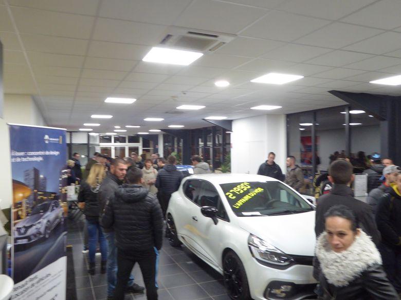 Vendredi soir  RDV Renault Sport à Vitrolles (13 ) P1020918