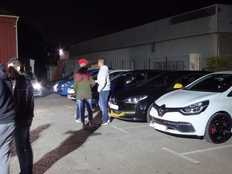 Vendredi soir  RDV Renault Sport à Vitrolles (13 ) P1020922