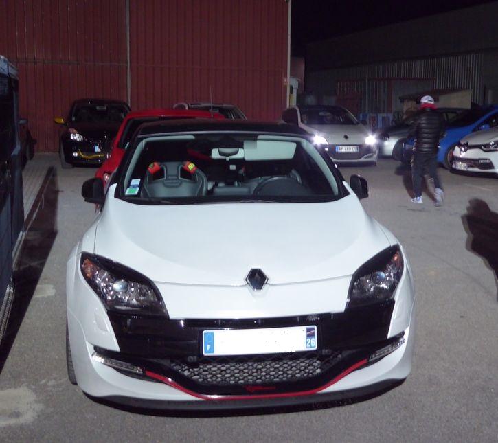 Vendredi soir  RDV Renault Sport à Vitrolles (13 ) P1020923