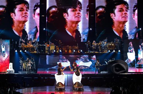 Un Cirque du Soleil spécial Michael Jackson ? - Page 11 Jackso10