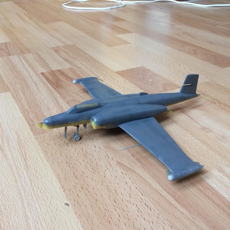 Avro cf-100 Img_0411