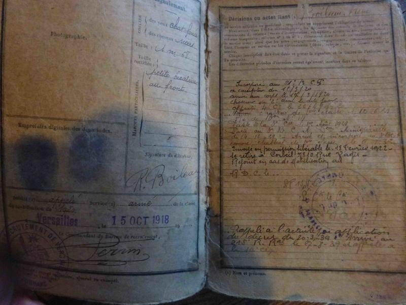 Ensemble livret militaire et autres documents d'un même homme  (1920-1940)-ESC 1 VENDU P1060231