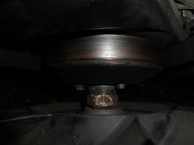 Démontage visco et poulie damper moteur 2.5TDI Sam_0311