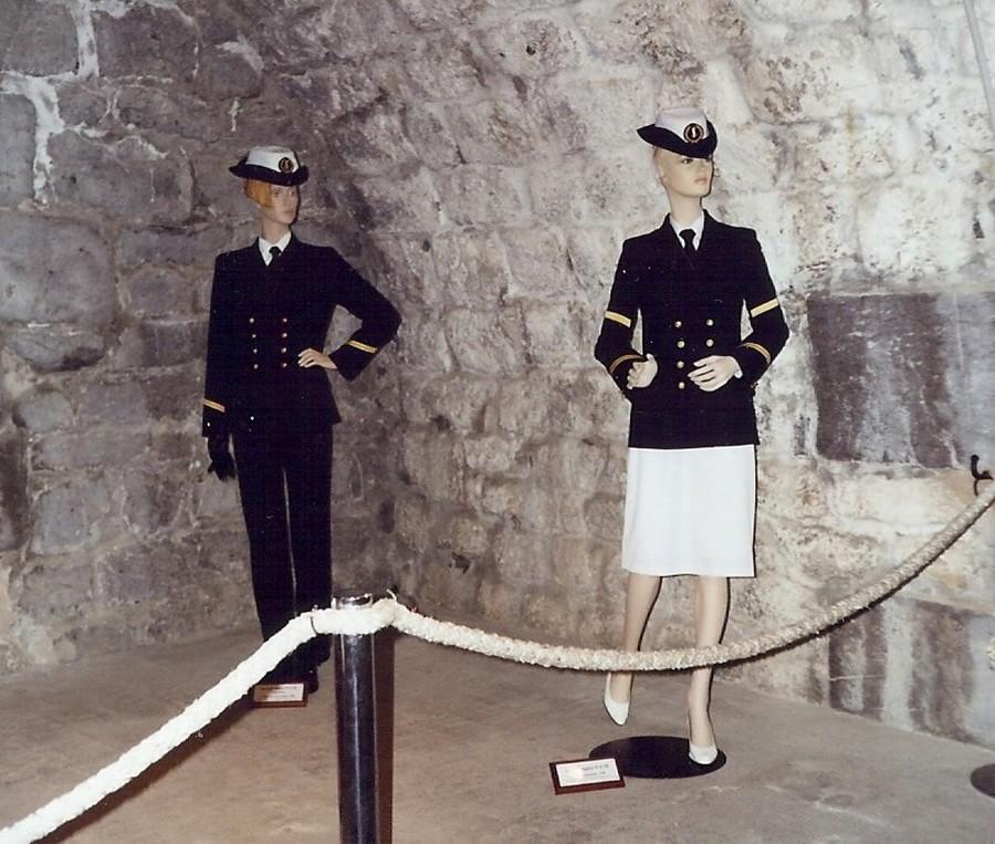 [ Les musées en rapport avec la Marine ] Conservatoire des tenues à Toulon - Page 4 114