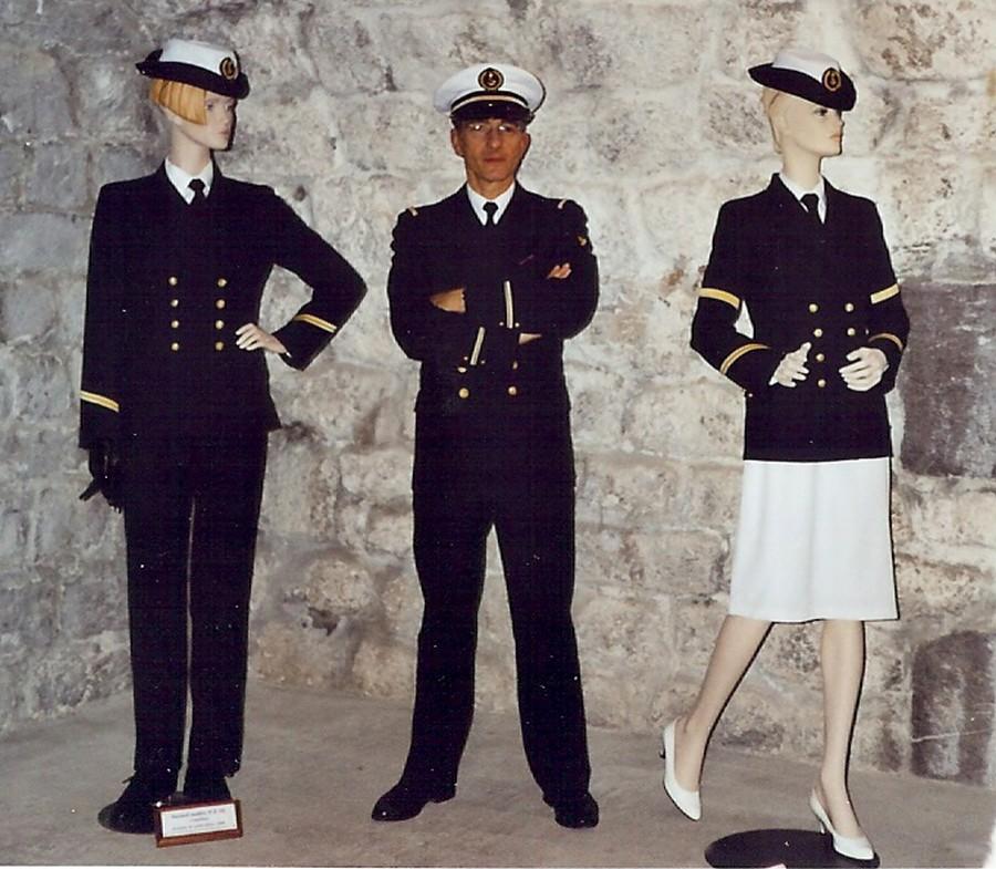 [ Les musées en rapport avec la Marine ] Conservatoire des tenues à Toulon - Page 4 215