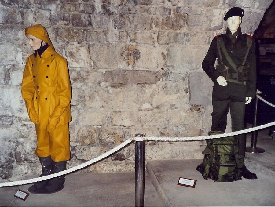 [ Les musées en rapport avec la Marine ] Conservatoire des tenues à Toulon - Page 4 612