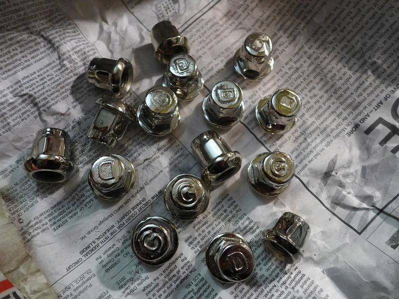Écrous de roue P1010712
