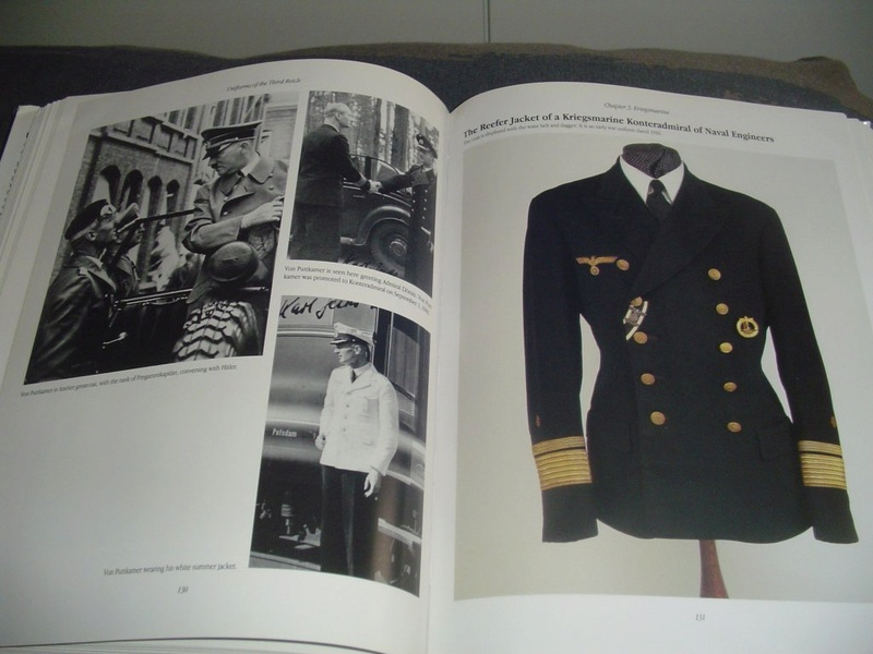 Livre: uniforms of the 3rd reich Dsc00015