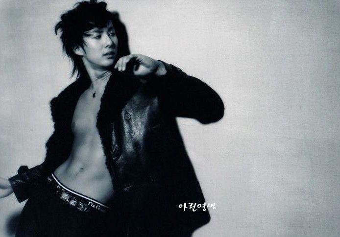 The best maknae Hyung_10
