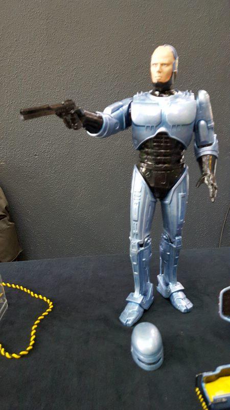 Robocop 1 und Robocop 3 mit Flightpack 1:6 Horizon Comp_246