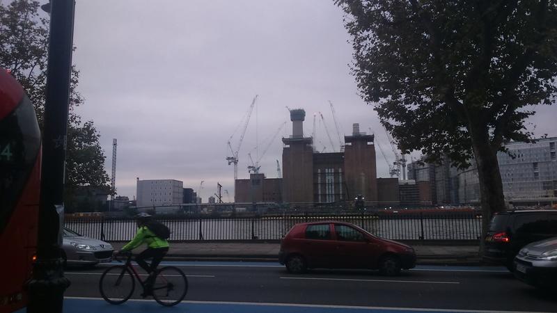 Battersea Power Station est à vendre Dsc_0011