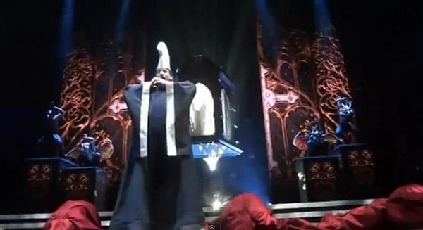 THE MDNA TOUR (Madonna) Ma11
