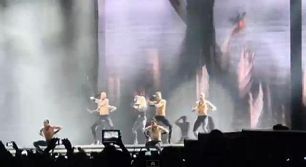 THE MDNA TOUR (Madonna) Ma12