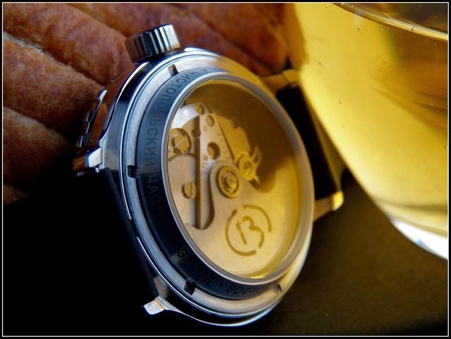 Vos montres russes customisées/modifiées - Page 4 Back10