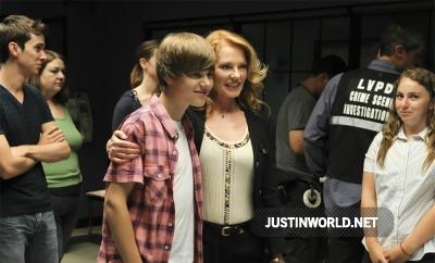 Justin devient acteur dans les experts Normal28