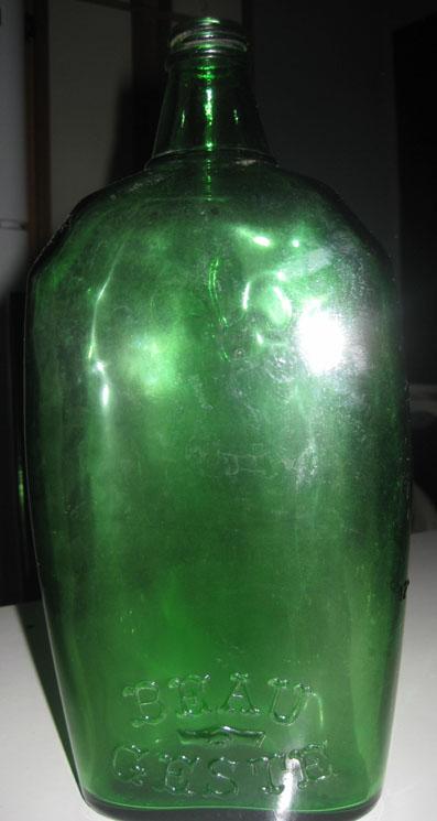Plusieurs bouteilles antique Photo_14