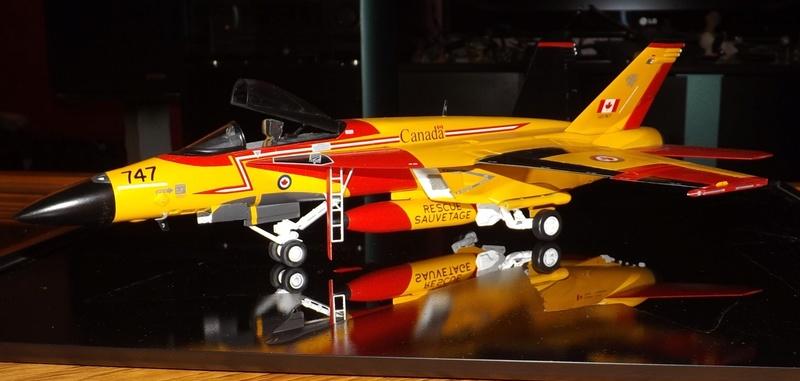 L:e Canada achete des F-18E ET des CN295 Dscf4111