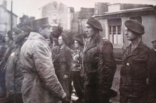 Le Bataillon de Choc 1943/1963. Photos. - Page 2 Belfor20