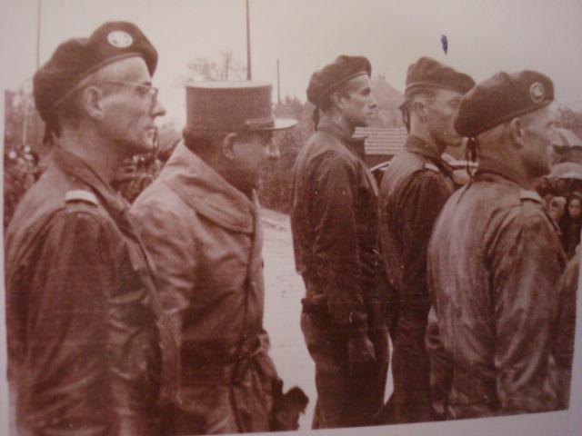Le Bataillon de Choc 1943/1963. Photos. - Page 2 Belfor21