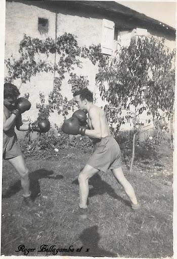 LES INSIGNES DU BATAILLON DE CHOC 1943/1963. - Page 3 Boxe_b10