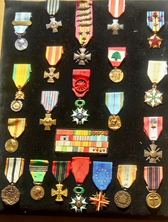 LES DÉCORATIONS AU CHOC 1943-1945. Dco-ch11