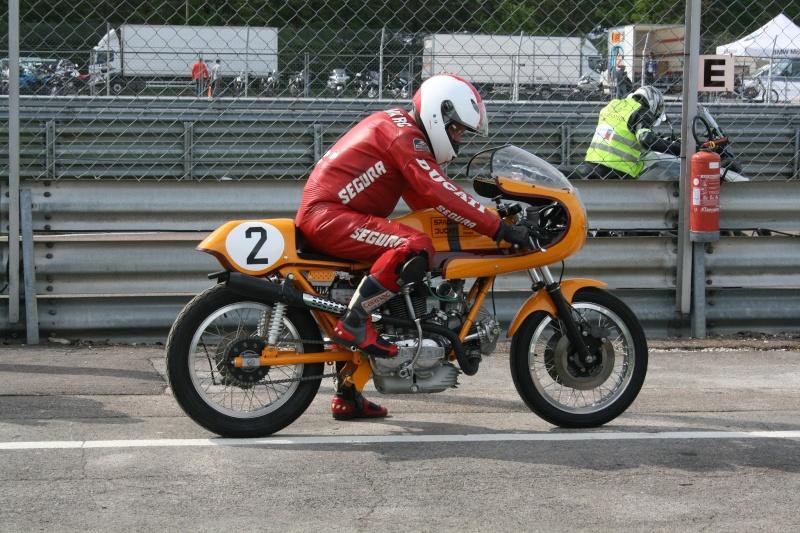 Ducati Twins à Couples Coniques : C'est ICI - Page 9 2013-015