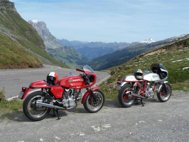 Ducati Twins à Couples Coniques : C'est ICI - Page 9 P1000410