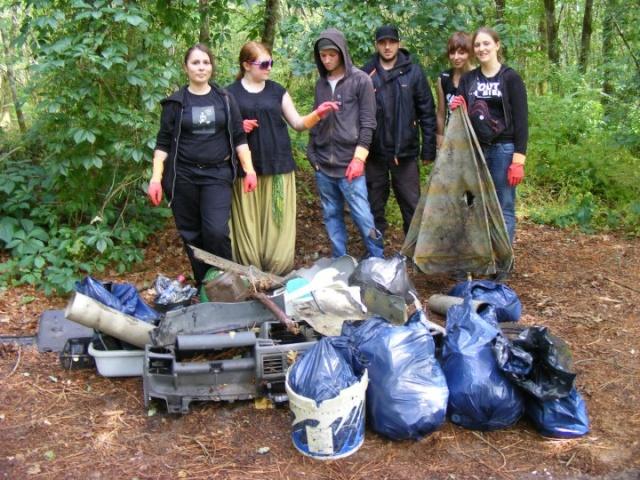 Sortie nettoyage en forêt Alex510