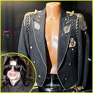 Les costumes et tenues du King Of Pop 58-1a110