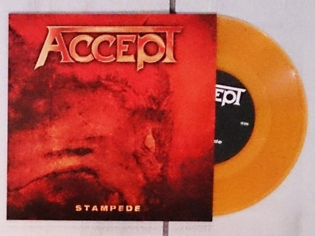 Vous avez des vinyles de couleurs collectors? Accmm710