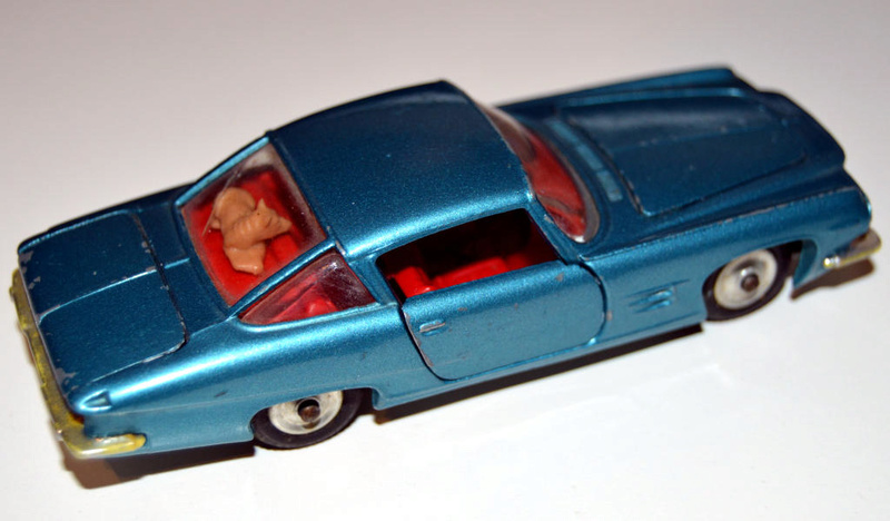 CORGI TOYS - GHIA L 6.4 With Chrysler V8 Engine - 241 - 1963/69 Dsc_0511