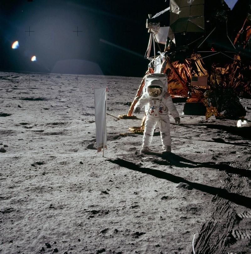 Page Wikipédia sur Apollo 11. As11-411